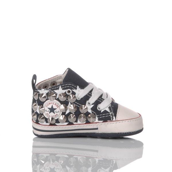 Collezione sneakers culla